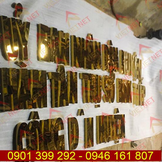 Chữ inox vàng gương UBND huyện Hàm Tân tỉnh Bình Thuận