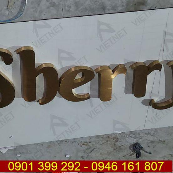 Mẫu chữ inox vàng xước đẹp của Spa Sherry