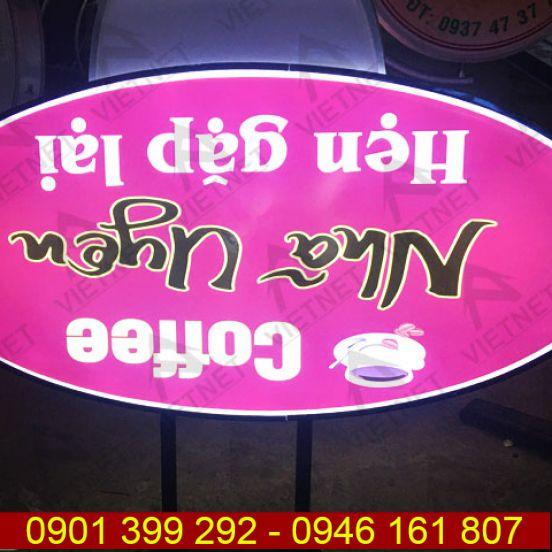 Hộp đèn mica hút nổi tiệm Cafe Nhã Uyên