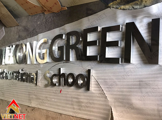 chu-inox-trang-xuoc-Mekong-Green-International-School