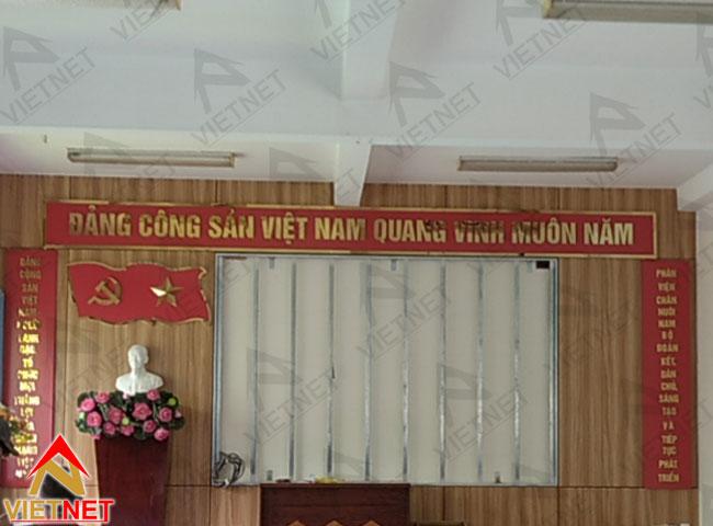 chu-inox-vang-guong-dang-cong-san-viet-nam-1