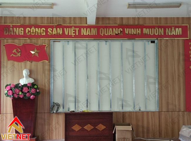 chu-inox-vang-guong-dang-cong-san-viet-nam-2