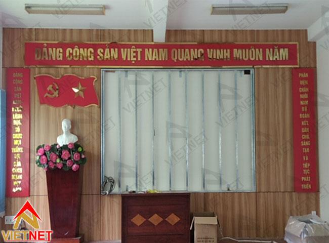 chu-inox-vang-guong-dang-cong-san-viet-nam-3