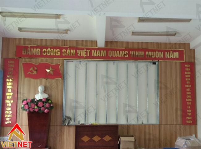 chu-inox-vang-guong-dang-cong-san-viet-nam-4