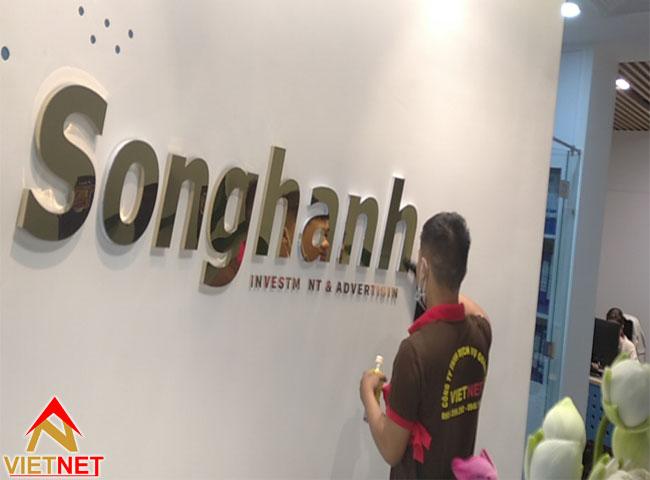 chu-inox-vang-guong-song-hanh-1