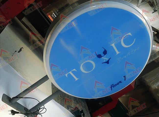 hop-den-mica-hut-noi-tiem-toxic
